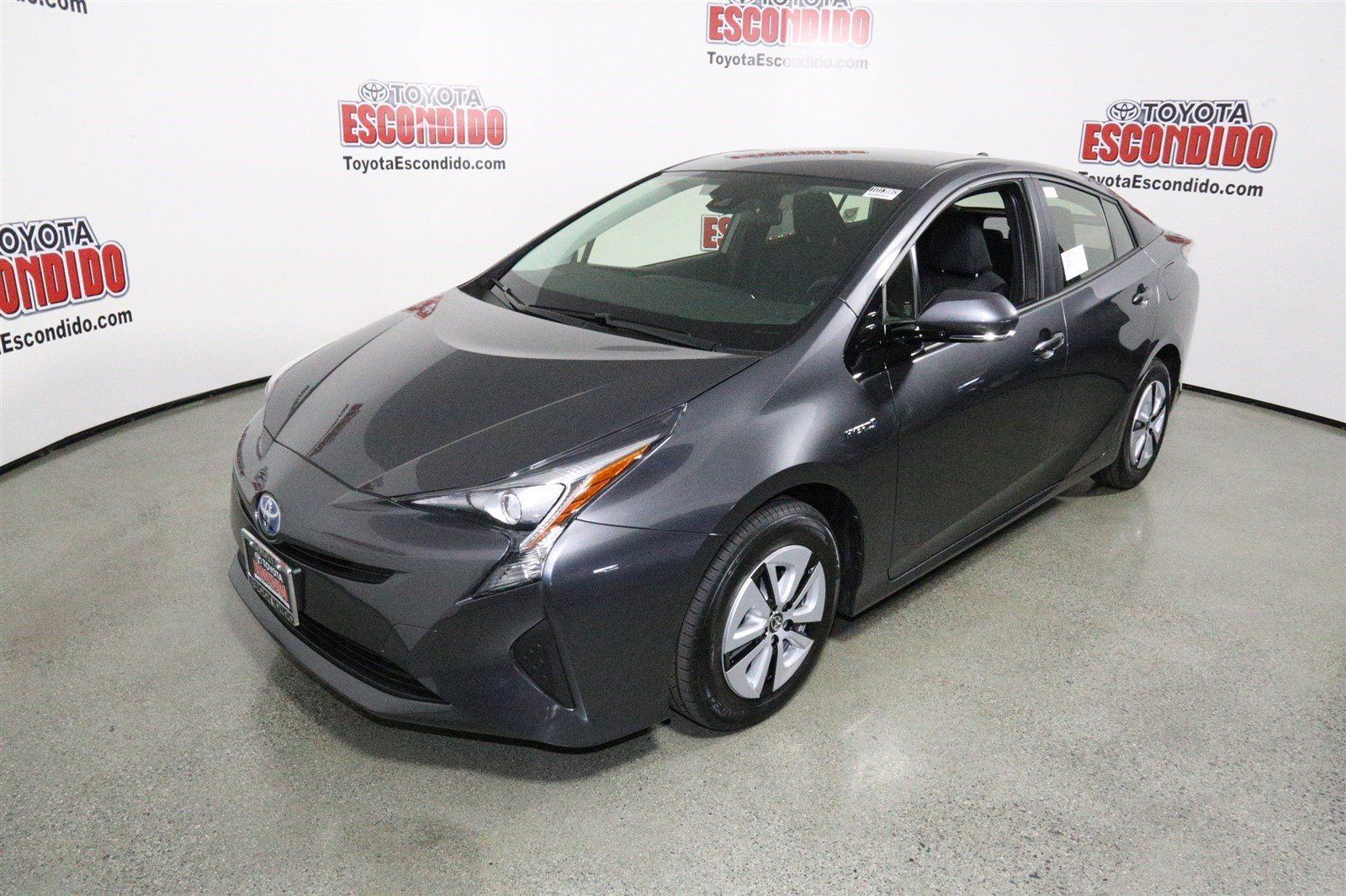 2016 toyota prius two eco hatchback review ratings edmunds. Black Bedroom Furniture Sets. Home Design Ideas